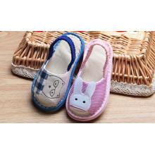 Chaussures en tissu très confortable pour les enfants Causual enfants Chaussures Sandales pour enfants