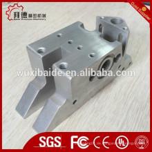 CNC-Bearbeitungsteile mit Gewinde- / CNC-Bohrteilen mit Gewinde- / CNC-Drehteilen mit Gewinde
