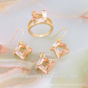 conjunto de jóias de ouro de casamento árabe cheio de mulheres