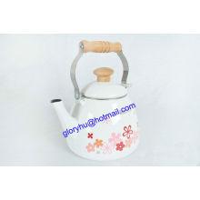 chaleira de esmalte com cabo de baquelite e maçaneta