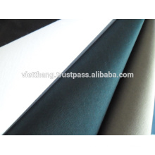 """100% coton tissé / teint - couleur claire / sergé 2/1 / largeur: 63 """"/ poids: 141 g / m2"""