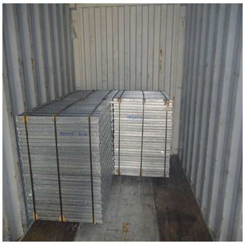 Loading of Steel grid