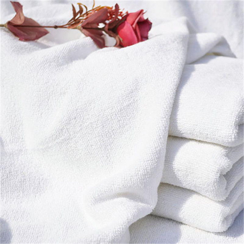 Customize Logo 400gsm White Bath Towels 3