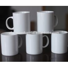 2015 nouveau! Toute la taille en céramique / porcelaine en porcelaine blanche en gros personnalisé personnalisé cadeaux tasse