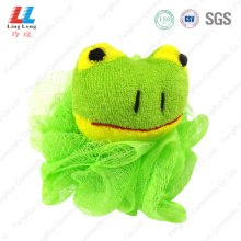 Mesh sponge with frog animal ball