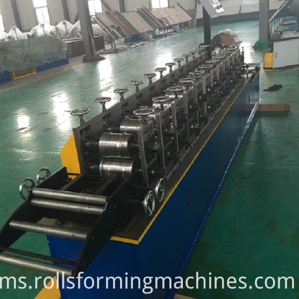 Shutter Door Roll Froming Machine System --feeding and straightening