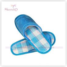 Pantoufle intérieure confortable en peluche courte