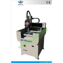 Máquina de corte de metal recientemente actualizada del CNC con el cuerpo entero de la máquina del arrabio