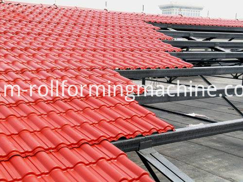 Hydraulic roof tile making machine