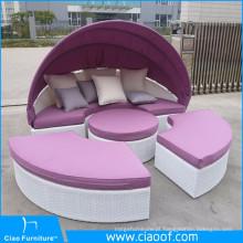 Venda quente novo design barato lazer sol cama mobiliário de jardim Rattan