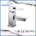 Square Base Chromed Brass Single Handle Bathroom Faucet (AF9702-6)