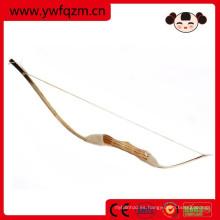 juguetes populares hechos a mano de arco y flecha de madera