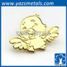 Gold animal style bird lapel pin