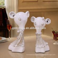 Haute qualité Handmade Cute Doll Statue Résine Liquid Or Figurine Cadeau Artisanat Artisanat avec Forme Animale Sculptures Résine Artisanat