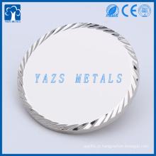 Metais de cobre com diamante borda dupla lado em branco moedas