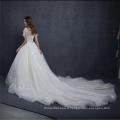 Chine coutume faite à manches courtes satin broderie robe de mariée robe de mariée 2018 avec longue queue
