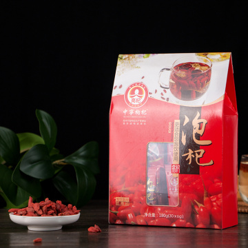 Красная волчья ягода с низким содержанием пестицидов