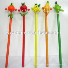 lápis de papelaria com cabeça de fruta dos desenhos animados