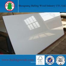Tablero de madera impermeable llano del color blanco