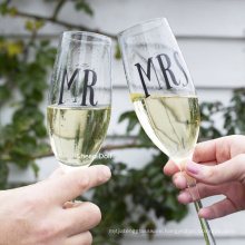 Personalized Wedding Champagne Flutes- Mr and Mrs Design - Engraved Flutes for Bride and Groom Gift for Customized Wedding Gift