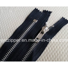 Fermeture en métal à fermeture fermée n ° 5 pour vêtements et accessoires