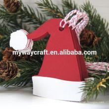 Dessin de fantaisie Noël rouge en forme de chapeau en forme d'étiquettes de cadeau pour décoration d'arbre de Noël