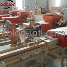 Wood pallet compressor of sawdust shavings