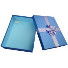 Цветная упаковка подарочной коробки