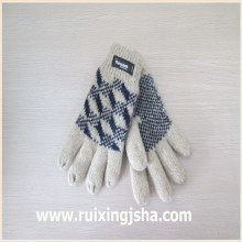 Jacquard knitted wool gloves with isolating lining