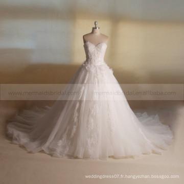 Princesse Dressy Sweet Heart A-ligne Perles de dentelle Fleurs faites à la main Grande Robe de mariée à long train