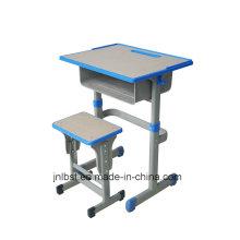 Открытая стойка регистрации, Студенческий стол и стул