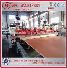La poudre de PVC ajoute une ligne de production composite en bois / une ligne de production de tableau WPC