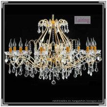 Araña de cristal colgante europea y luz dorada