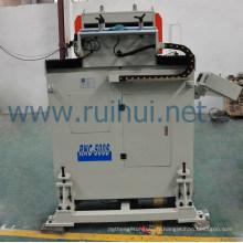 Machine d'alimentation d'oscillation de servo adoptant la méthode de pressurisation de rouleau de type de ressort