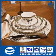 2015 Oriente Medio productos calientes de lujo de porcelana de magnesia vajilla con diseño de caballo de oro