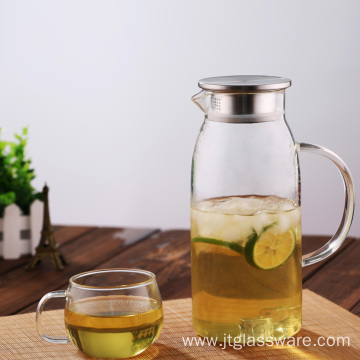 High transparent glass beverage pitcher with handle