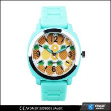 Montre de Genève de 2015 montre nouvelle montre couleur attrayante