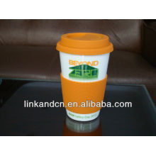 practical and beautiful ceramic mug with silicone lid and sleeve