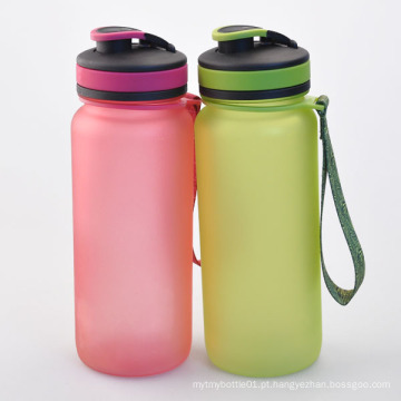 650ml Garrafa de água de plástico personalizada, garrafa Tritan livre de BPA