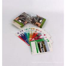 Naipes de papel coloridos que imprimen tarjetas inglesas de la palabra