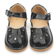 Black kids squeaky shoes sandals PU baby shoe MOQ300
