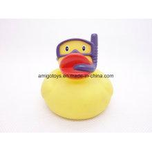 Pato engraçado do banho da natação