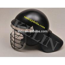 Casco antidisturbios con visera y rejilla metálica Protector de cuello cubierto con tela