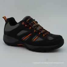 Zapatos de los hombres que suben Zapatos de los deportes al aire libre con impermeable