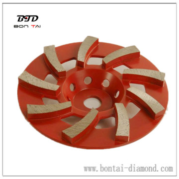 Diamond grinding wheels for grinding concrete floors