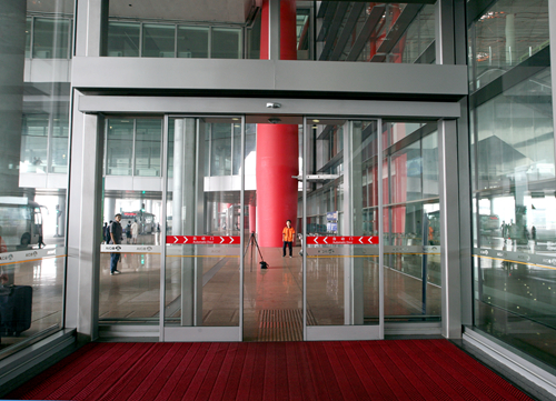 Automatic Sliding Door Operators with Control Systems