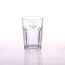 Klassisches Design-Trinkglas in sechseckiger Form