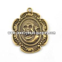 Skull metal pendant