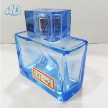 Ad-P217 Bouteille de parfum en verre carré en verre de couleur