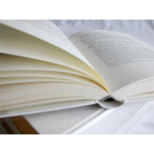 impressão do livro de papel da bíblia